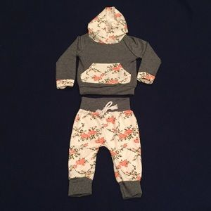 Other - Adorable 2-Piece Grey & Floral Warmup Suit
